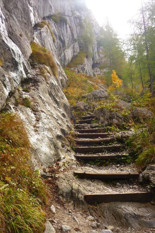 The trail near the Blaueishut