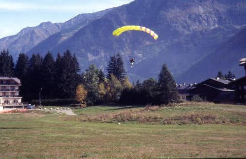 Paragliding in early 1990 s