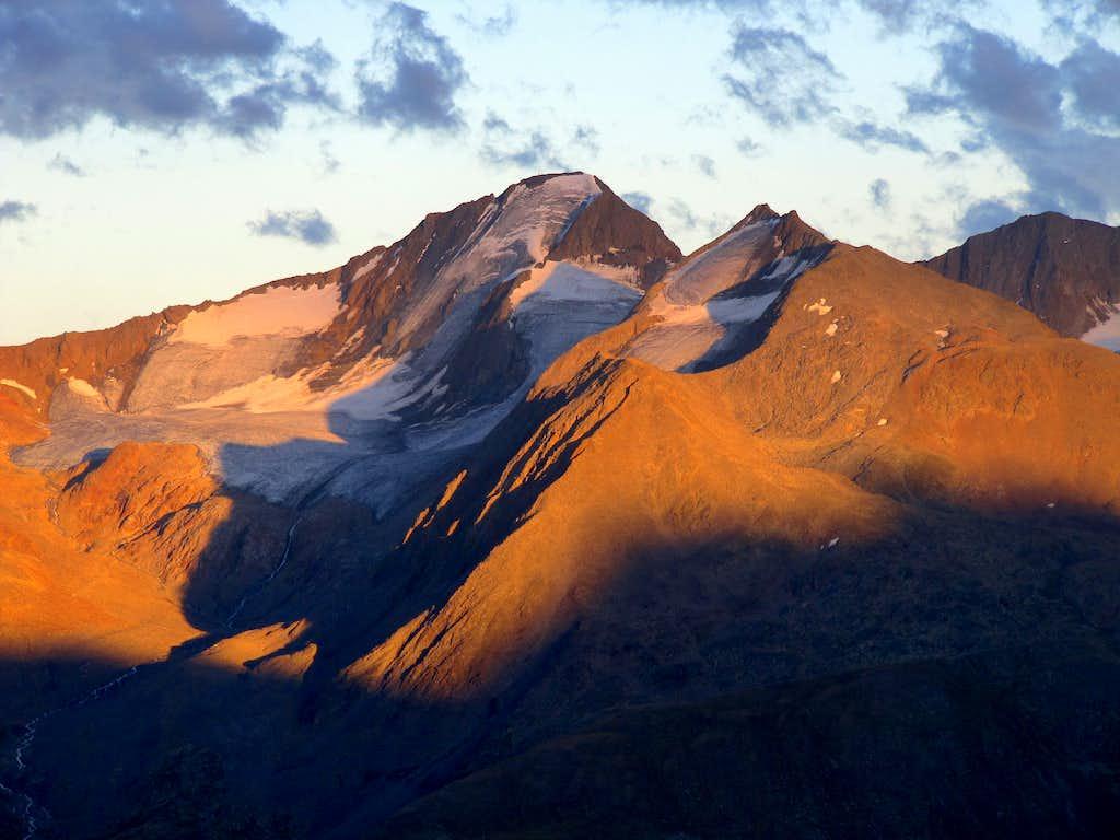 Hinterer Spiegelkogel (3426m) Alpenglow