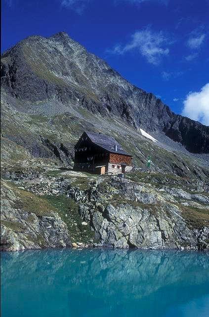 Adolf-Nossberger hut (2481 m)...