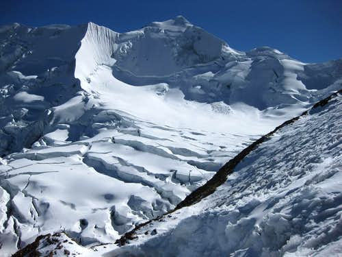 Climbing Illimani in the late season