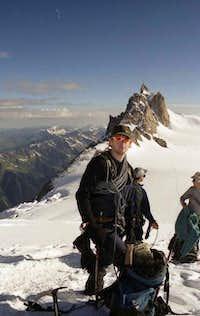 Climbing the Mont Blanc du...