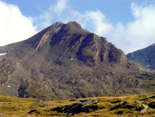<b><font color=green>NOUVA's HEAD</FONT> (3031m) <font color=red>FIRST ASCENT</FONT> and <font color=red><i>twice in day</i></font></B>