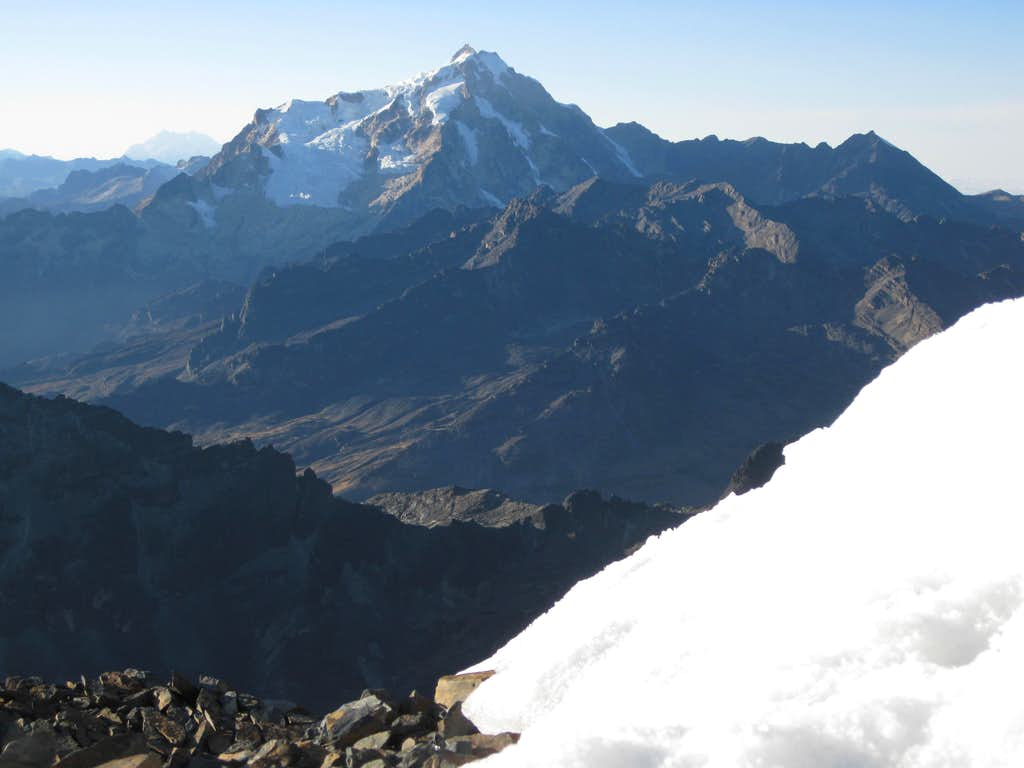 Summit view from Pequeño Alpamayo