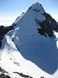 Summit ridge of Pequeño Alpamayo