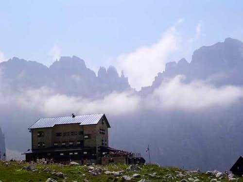 Rifugio Brentei (2182 m),...