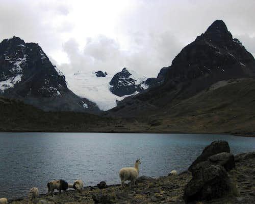 Pequeño Alpamayo base camp