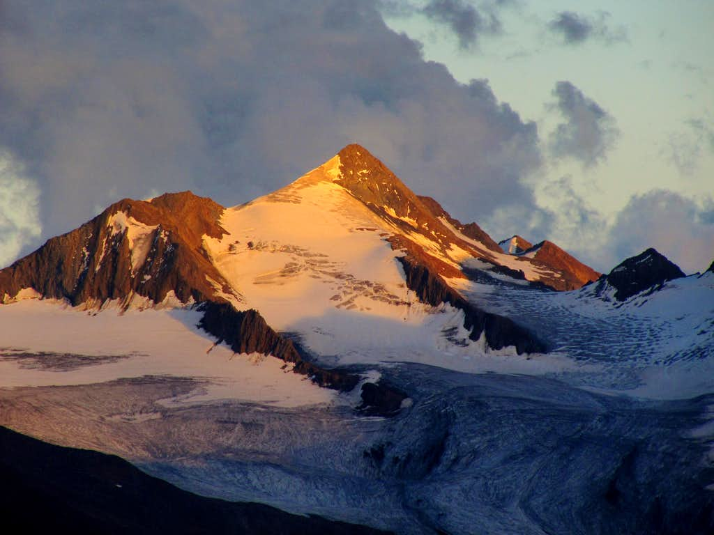 Evening Glow on Schalfkogel (3540m)