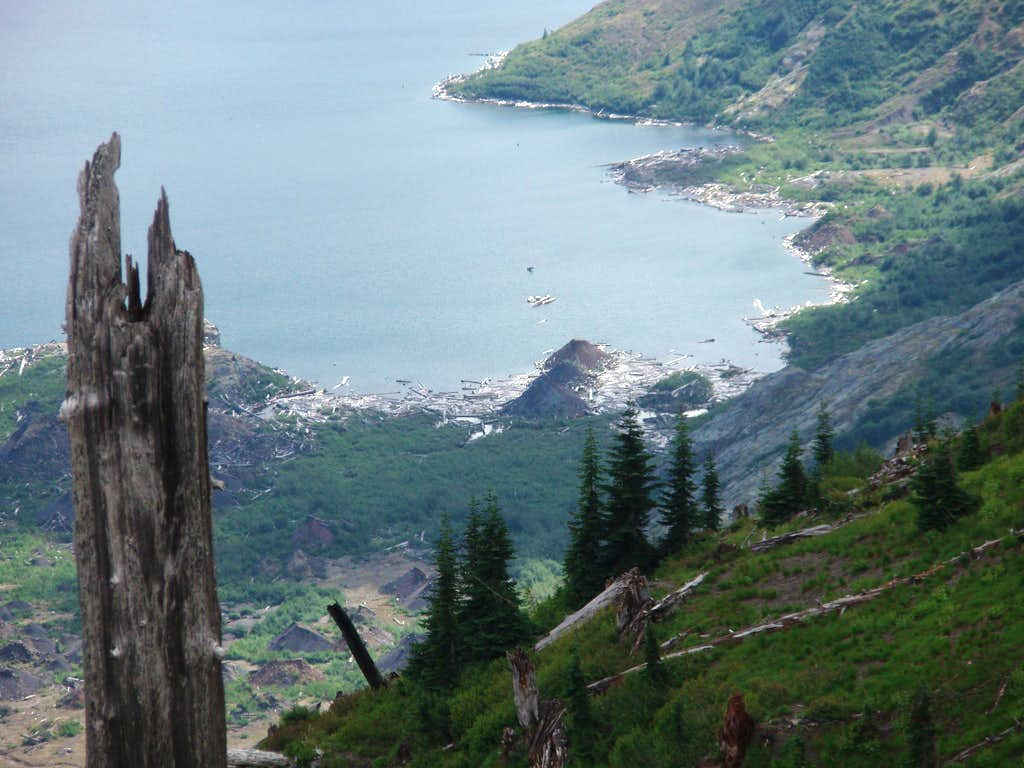 Cinder cones around Spirit Lake