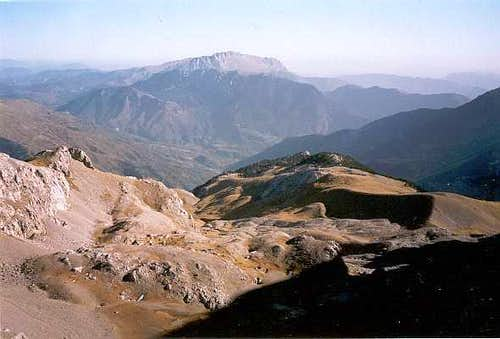 East view from Colladeta del Ibón, Turbon in the distance