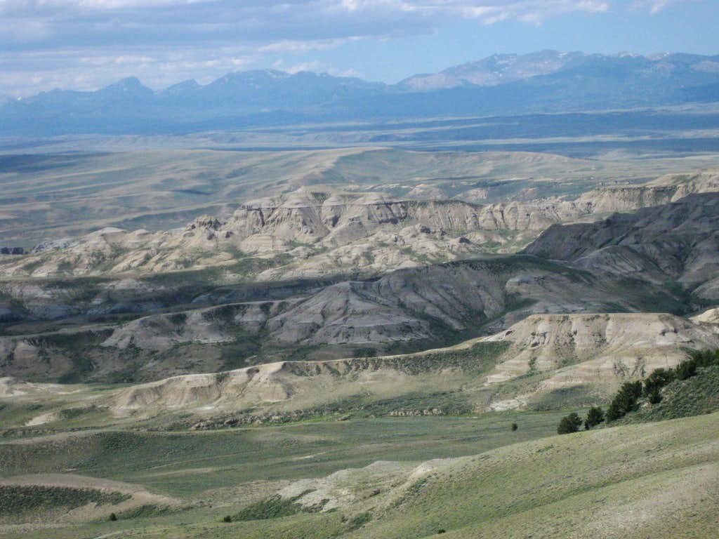 Whitehorse Creek Badlands and the Wind River Range