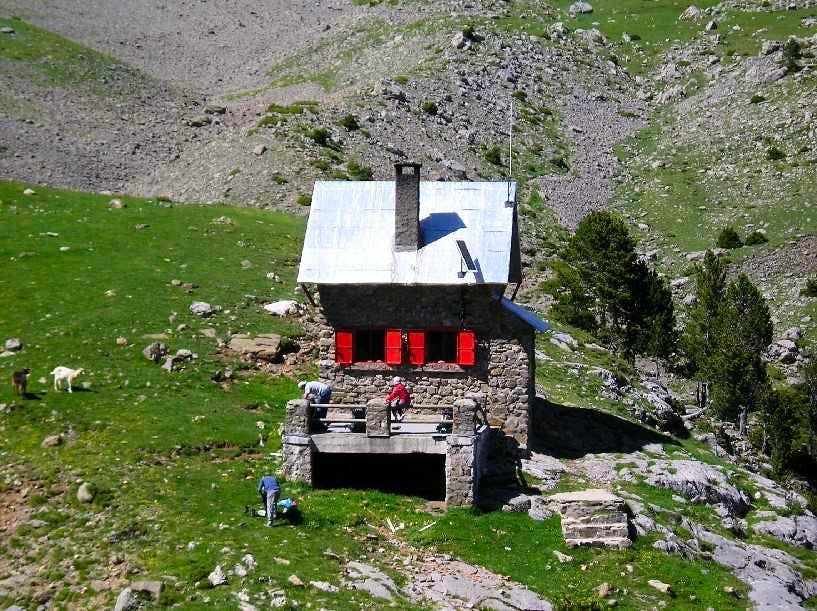 Armeña hut