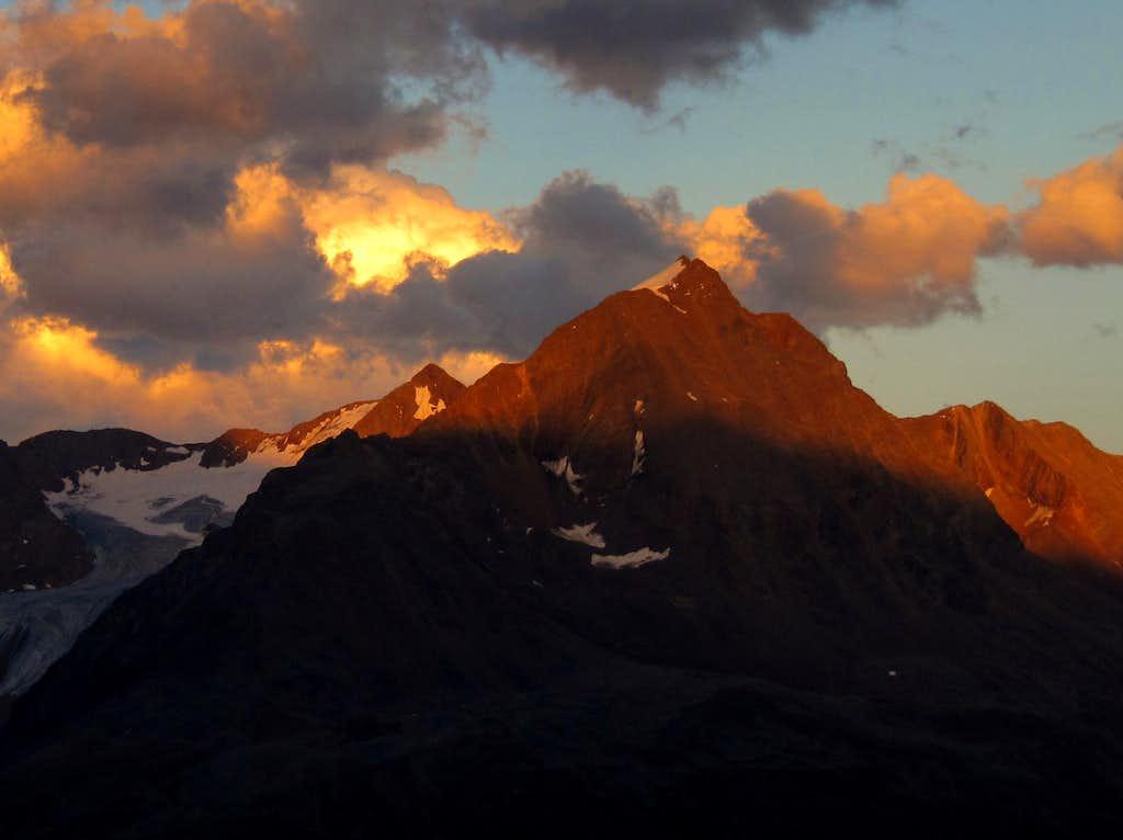 Ramolkogel (3550m) Alpenglow at 8pm