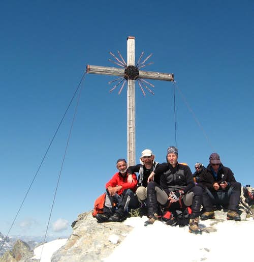 Madritschspitze / Cima Madriccio summit cross