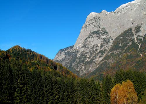Autumn view to the Hochkogel (2281m)