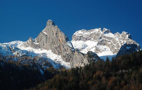 Close-up upon Wieswand (2017m) and Schwerwand (2212m)