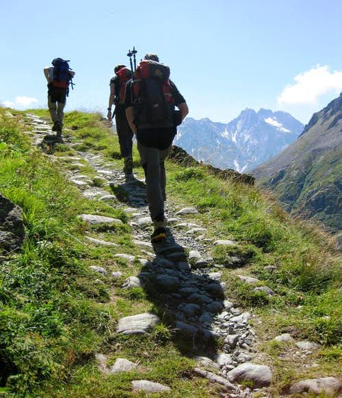 Hiking up the Marotz valley