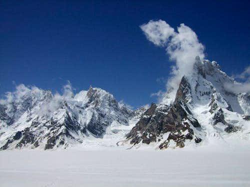 Snow Lake moutains
