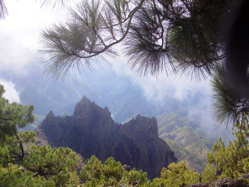Looking down into the Caldera de Taburiente