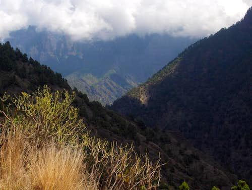 On the trail to <i>Mirador de los Brecitos</i>