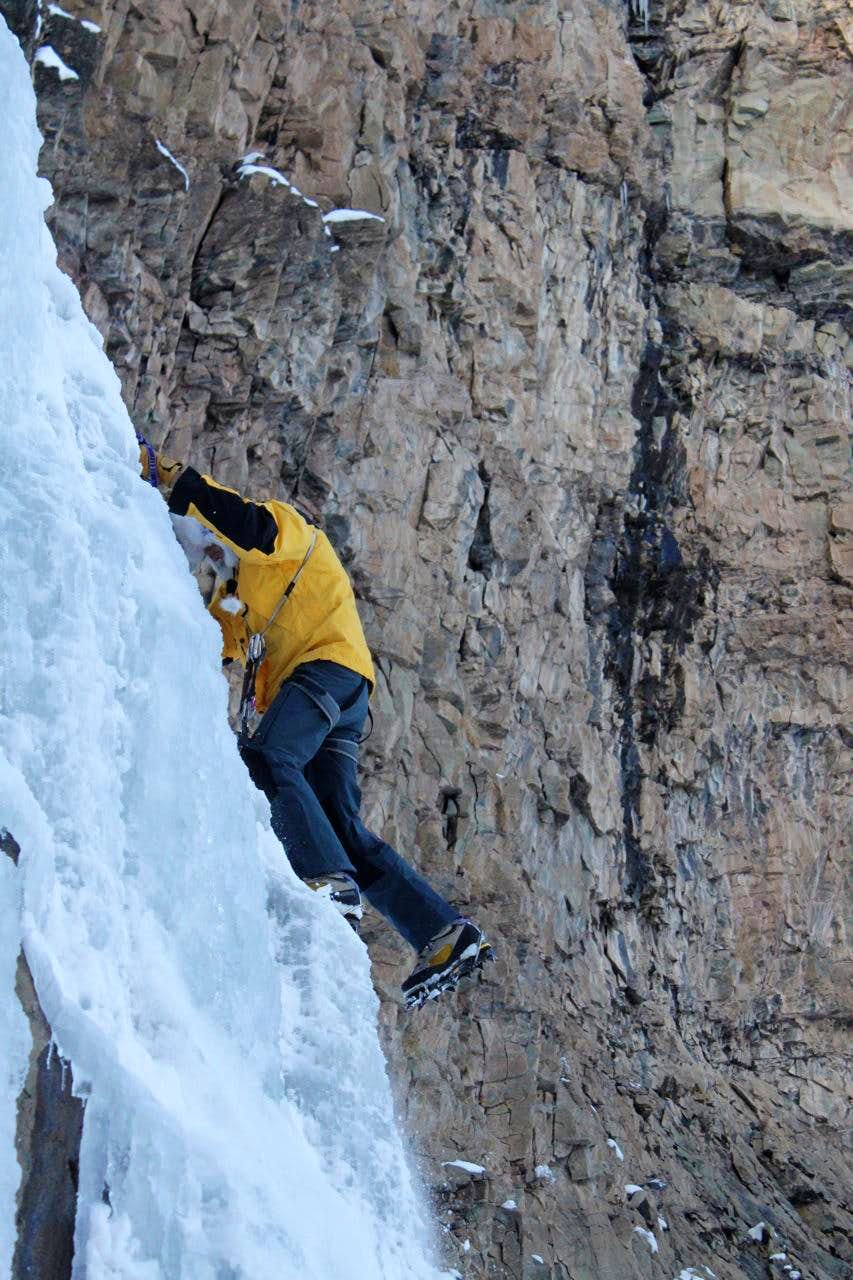 Early season ice climbing at South Mineral Creek