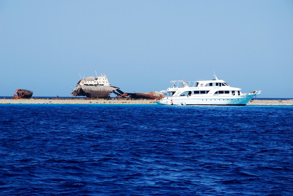 Wrecked ship at Gordon reef