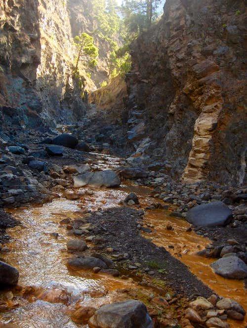 Stream coming off Cascada de Colores