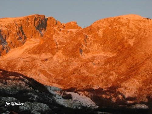 Savin kuk (2.313m) in sunrise