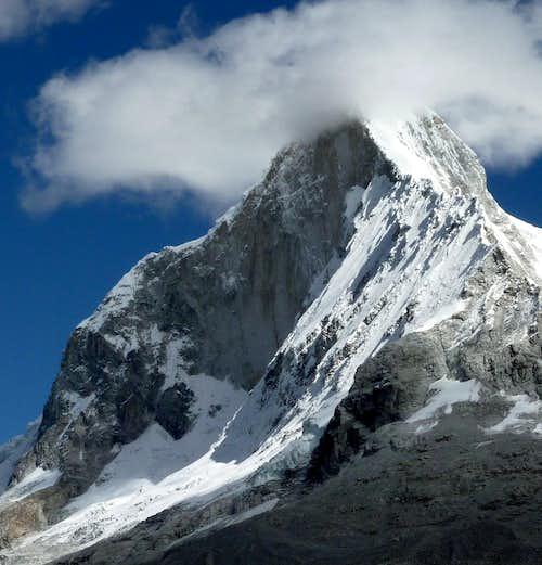 Huandoy Sur 6160 m summit in clouds