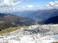 Looking down to the Gastein valley from the top of Silberpfennig (2600m)