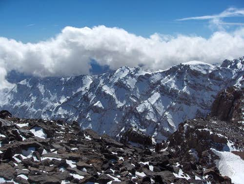 On the saddle between Toubkal and Toubkal west