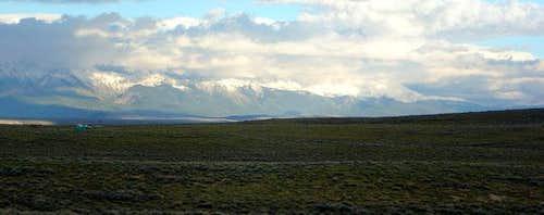 View of the peaks of Rawah...