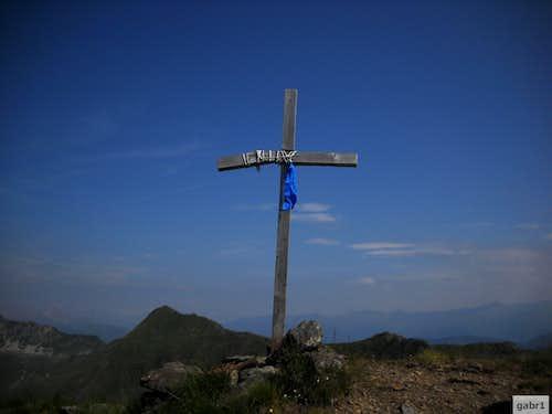 Cross on cima Avostanis