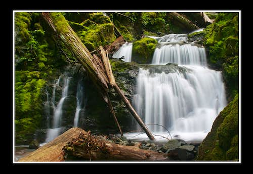 Donahue Creek Waterfall