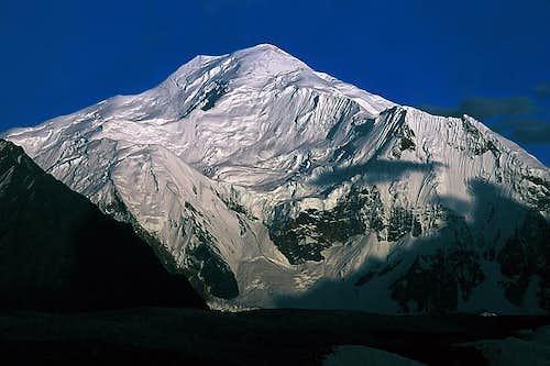Baltoro Kangri (Golden Tharon) 7,312 m