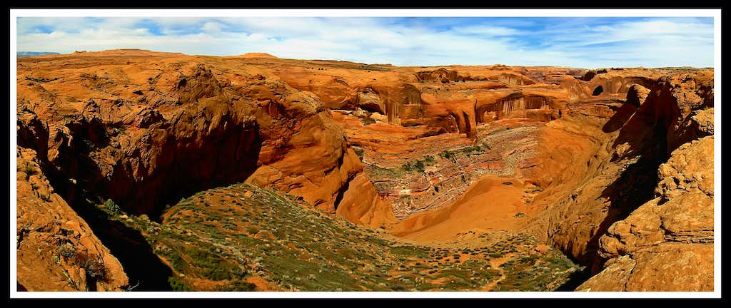 Looking into Coyote Gulch