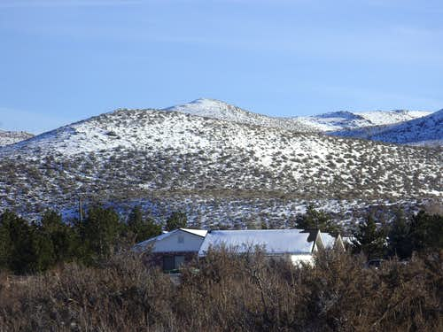 The summit of the Steamboat Hills from Fawn Lane
