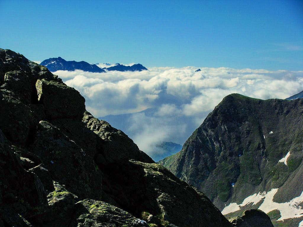 Gruppa di Tesso above clouds