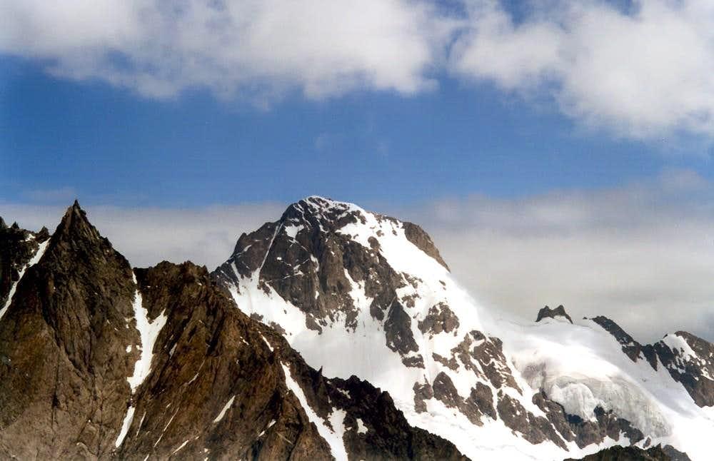 From AIGUILLE de SAVOIE (3604m) to MOUNT DOLENT (3819m)