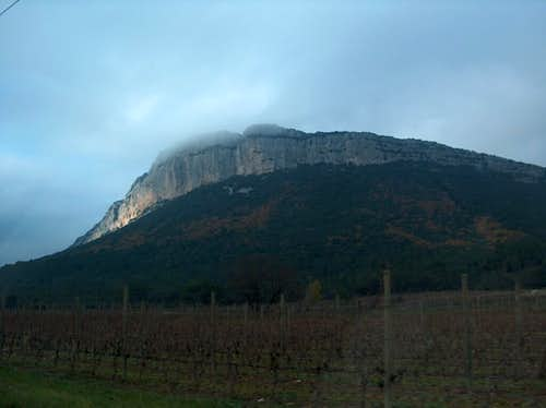 Cliffs of L\'Hertus, neighbour of Pic Saint-Loup