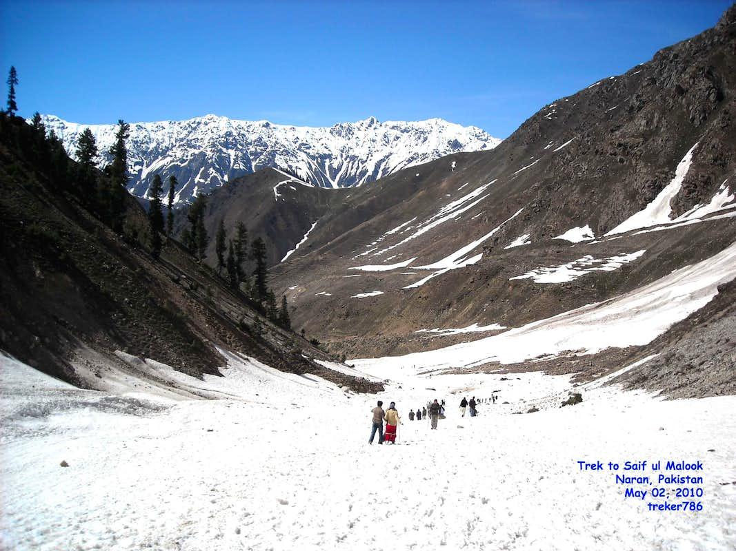 Panoramio - Photo of LALU SAR LAKE - NARAN - PAKISTAN