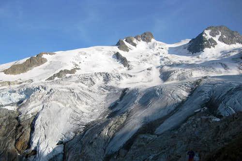 The Roseg glacier, La Sella and Piz Glühschaint