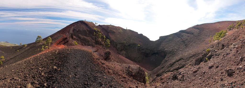 The crater of Volcan Martin