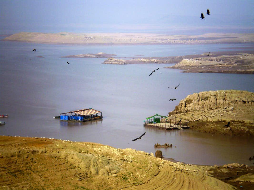 ramkot-fort-mangla-lake-mirpur-ajk_23535399194_o | farooq