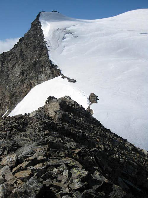 Piz Cambrena east summit from Cresta d'Arlas