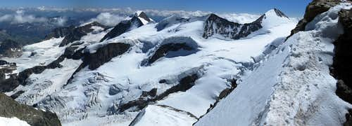 <font color=Red>Huge</font> panorama of Piz Cambrena, Piz Palü, Bellavista and Piz Zupo - from La Spedla ridge on Piz Bernina