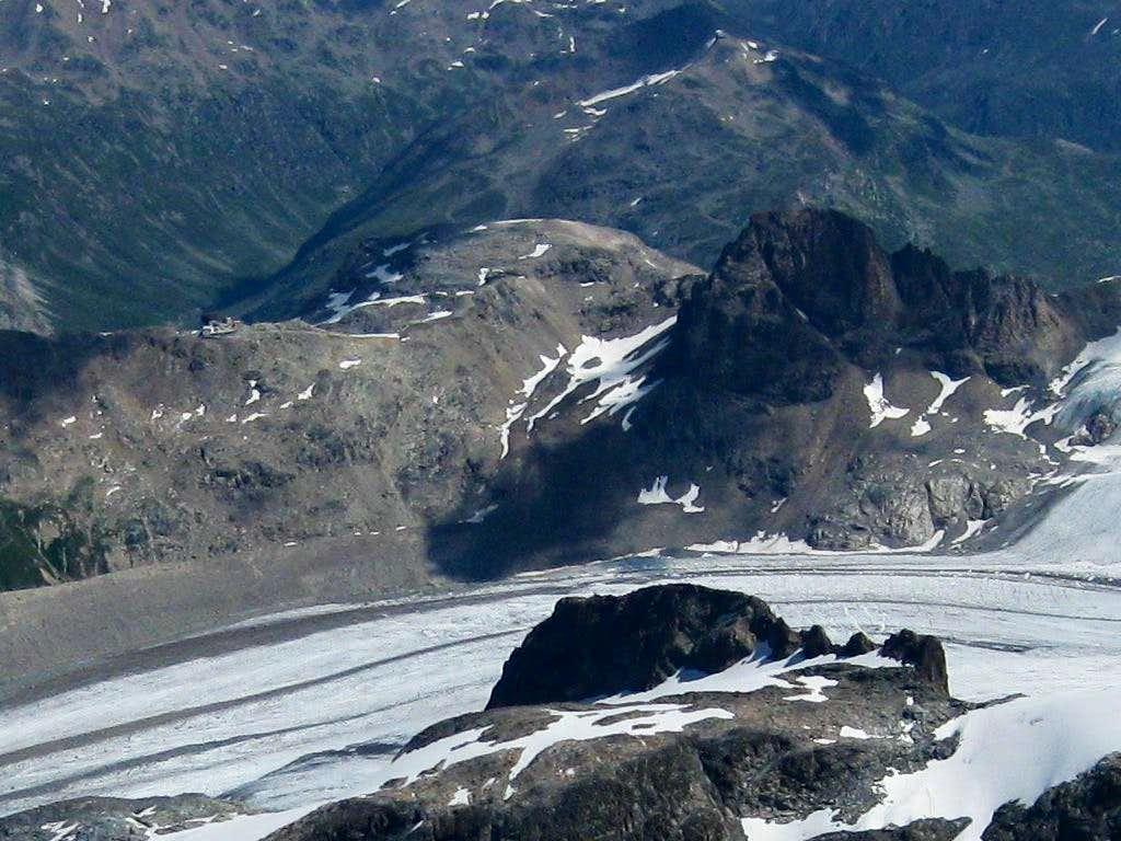 Diavolezzahaus and Piz Trovat from La Spedla ridge on Piz Bernina