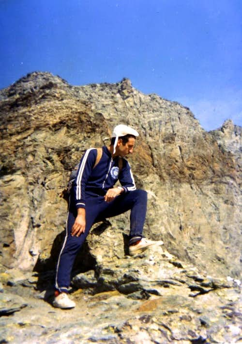 Great Tournalin (3379m) ascent by South Ridge & <B><FONT COLOR =BLUE>DOUBLE TRAVERSE</FONT> on 1974</B>