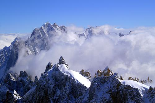 Aiguille du Midi, view towards the NE