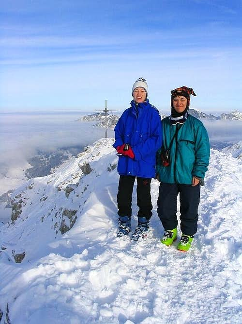 Elke and Rahel on the summit of Ponten